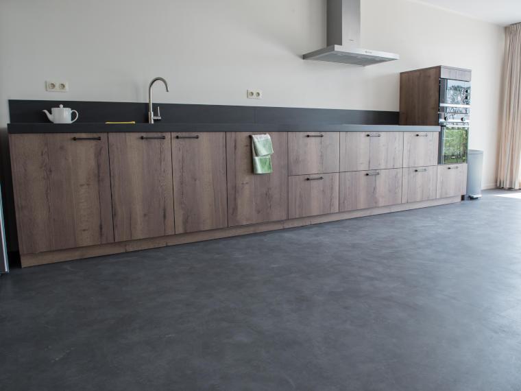 Küche mit Betonboden - Firma Riedl Natursteine in Künzing